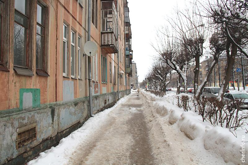 В Череповце сосулька упала на голову школьницы: девочка потеряла сознание