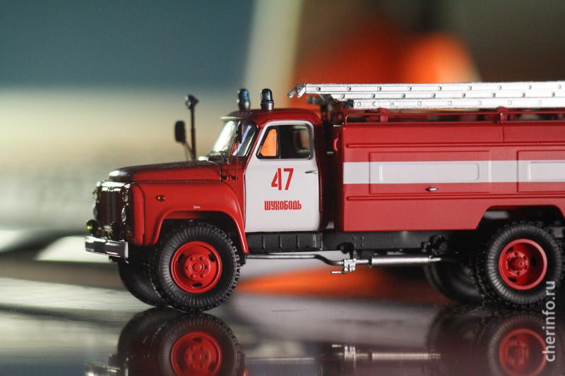 Модель пожарной машины из Шухободи