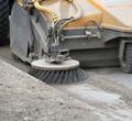 Коммунальщики Череповца показали пошаговую технологию уборки дорог