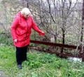Череповецкая дачница три года воюет ссоседом из-за слива септика вуличную канаву