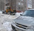 ВЧереповце из-за припаркованных машин водители спецтехники освоили «художественный слалом»