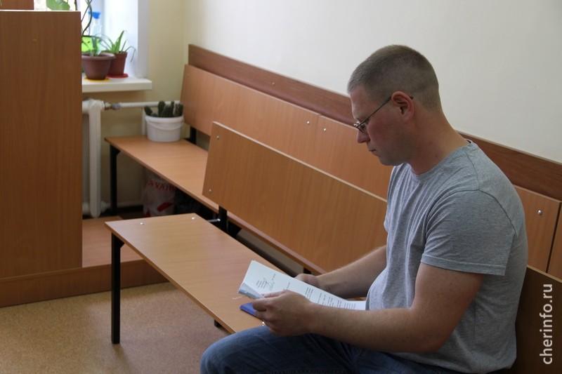 Олег Ахромов