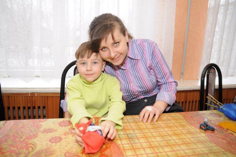 Гриша Андрианов с матерью