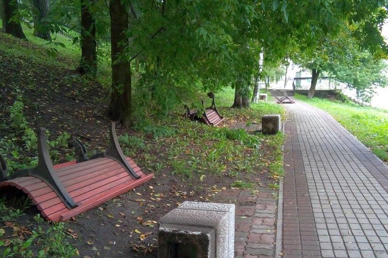 Скамейки на Соборной горке