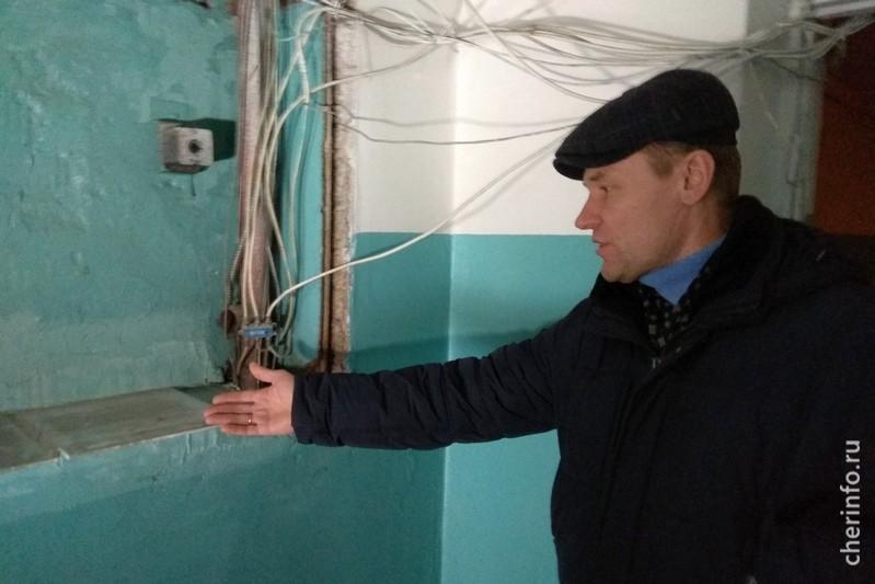 """Олег Скородумов: """"До ремонта подъезд был просто вубитом состоянии"""""""