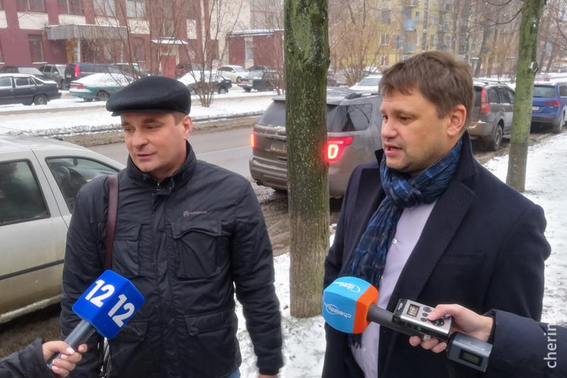 Игорь Лапик (слева)