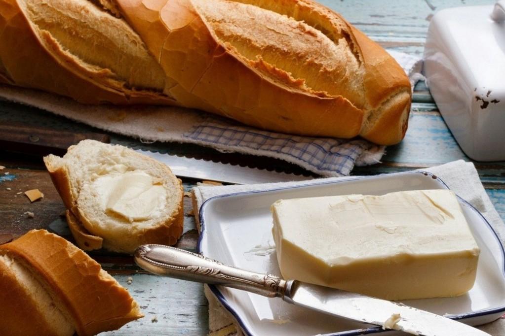 Хлеб и масло