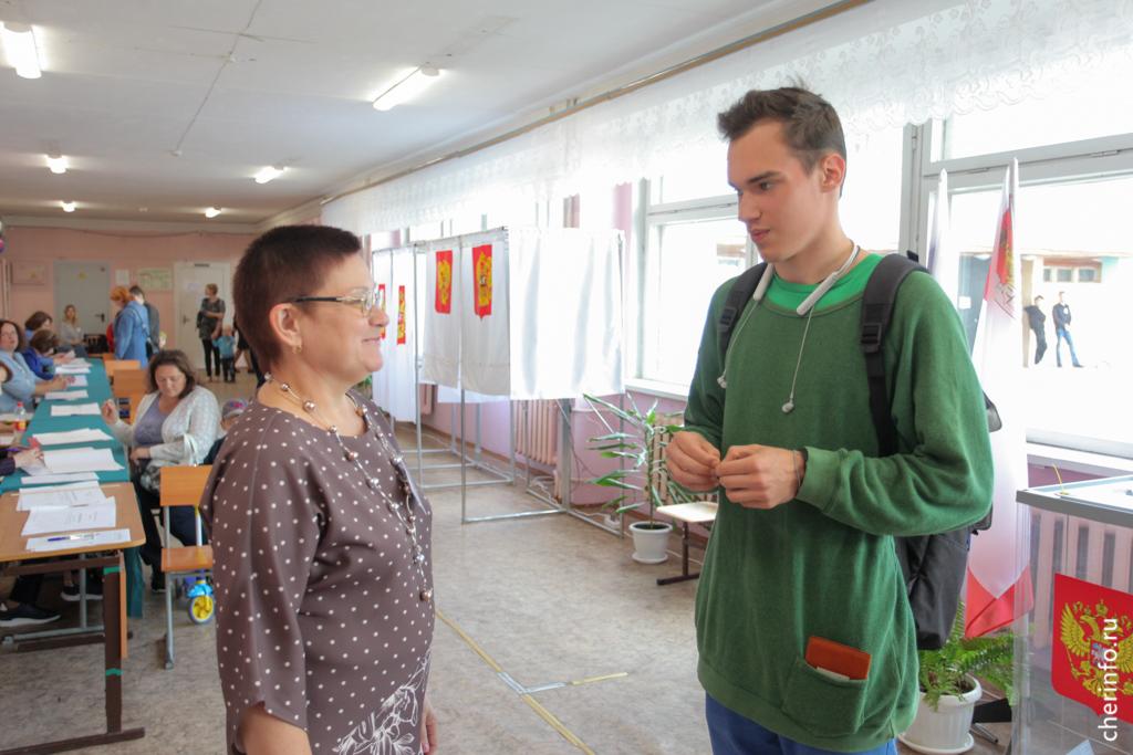 Егор Николаев голосует впервые